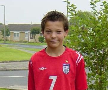 Louis Tomlinson Little Freakin Adorable One Direction Louis Tomlinson Louis Williams