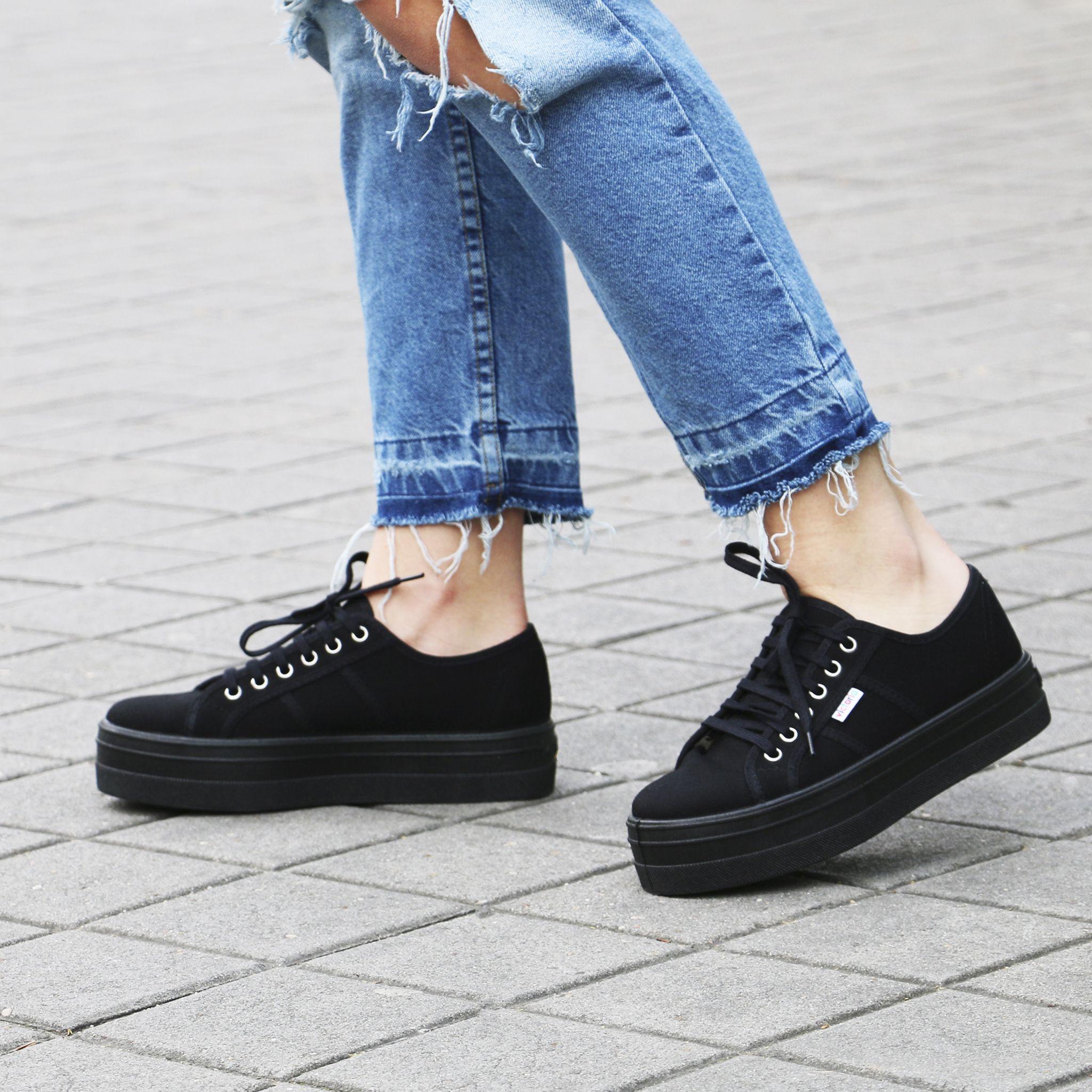 online store 87f23 de3cb ¡Pisa fuerte con estas zapatillas  Victoria de plataforma!