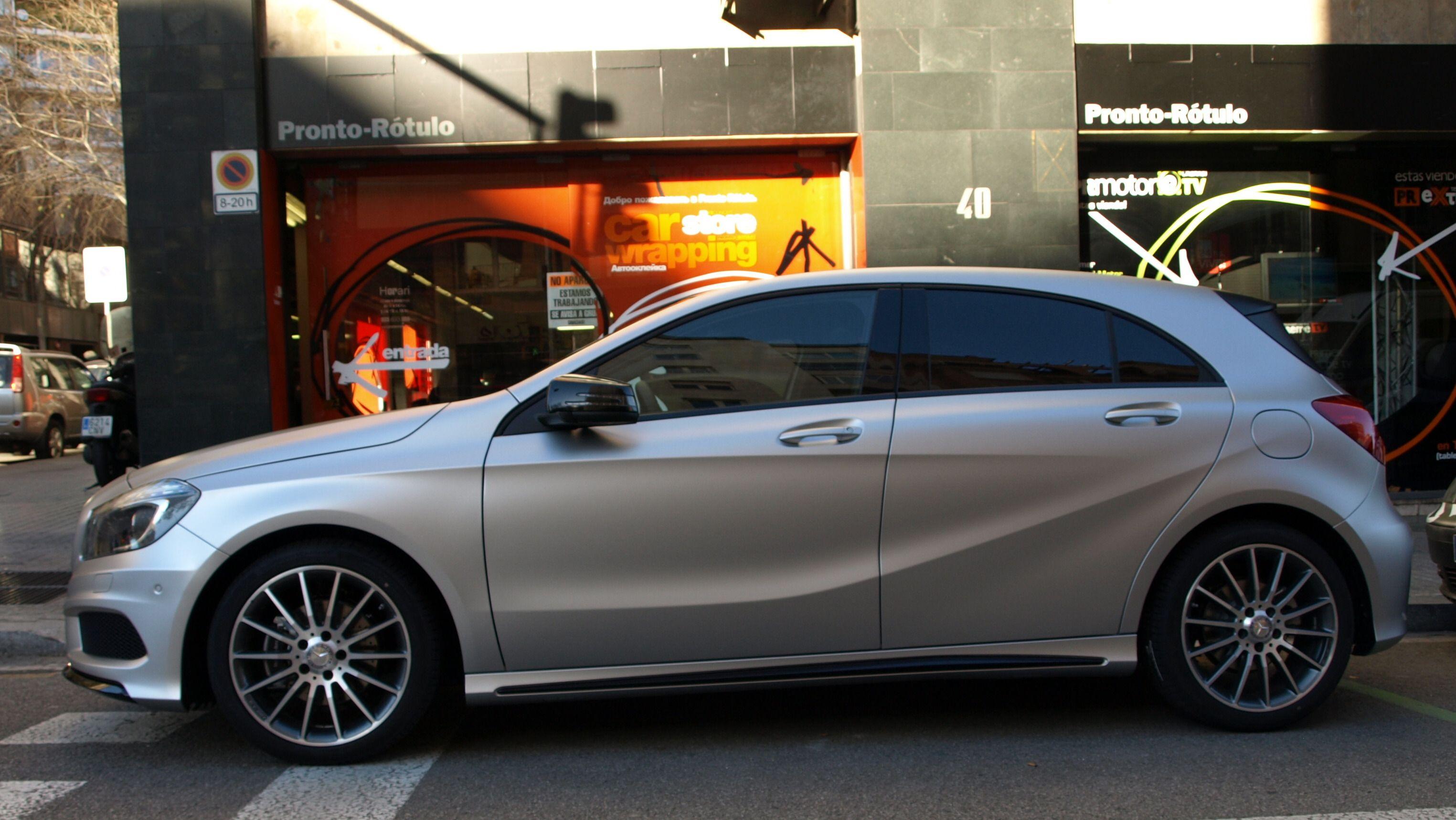 Vinilado Integral De Mercedes Benz Clase A En Gris Plata Mate Metalizado Que Incluye Detalles En Mismo Color Neg Mercedes Benz Clase A Mercedes Benz Mercedes