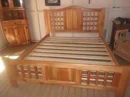Resultado de imagen para camas de madera camas para for Bar de madera persa bio bio