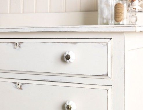 Chest of drawers painted in Chalk White  Shabby chic   distressed effect  created with wire. Chest of drawers painted in Chalk White  Shabby chic   distressed