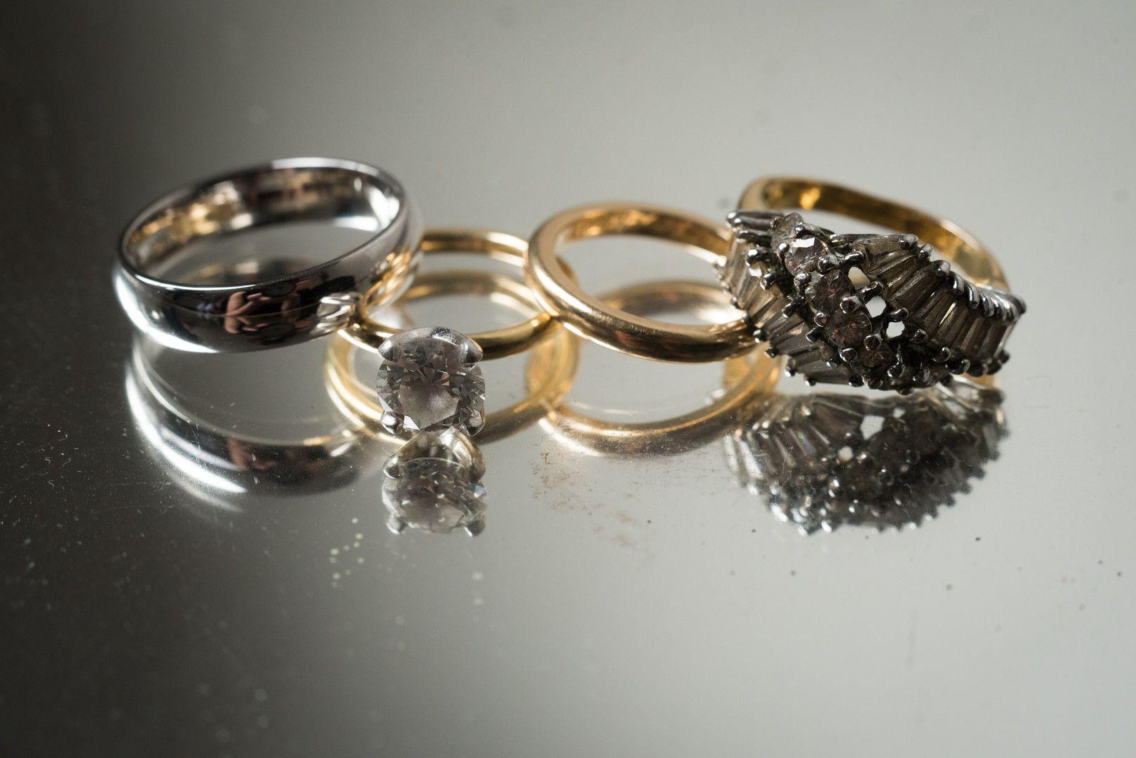 Diana Jon Moonlight Studios Wedding In Chicago Il Us Aislememories In 2020 Wedding Rings Engagement Engagement Ring Inspiration Diamond Wedding Rings