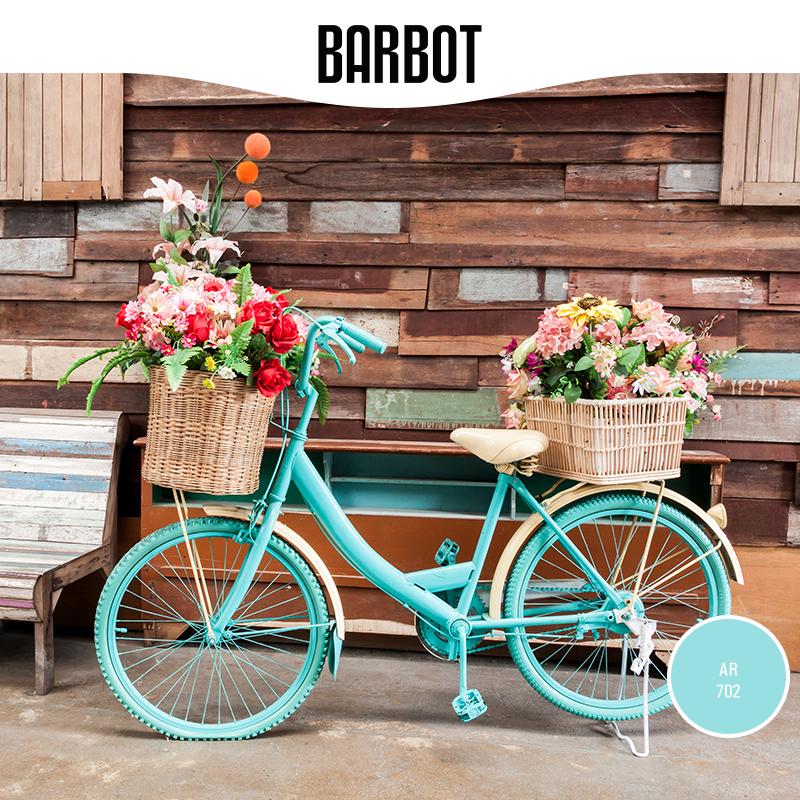 """Alie a sua criatividade à qualidade dos produtos Barbot e dê um novo """"look"""" à sua bicicleta. Aproveite os finais de dia quentes e relaxantes para exibir o resultado final e deixe-se levar pela brisa de um passeio à beira-mar. www.barbot.pt"""