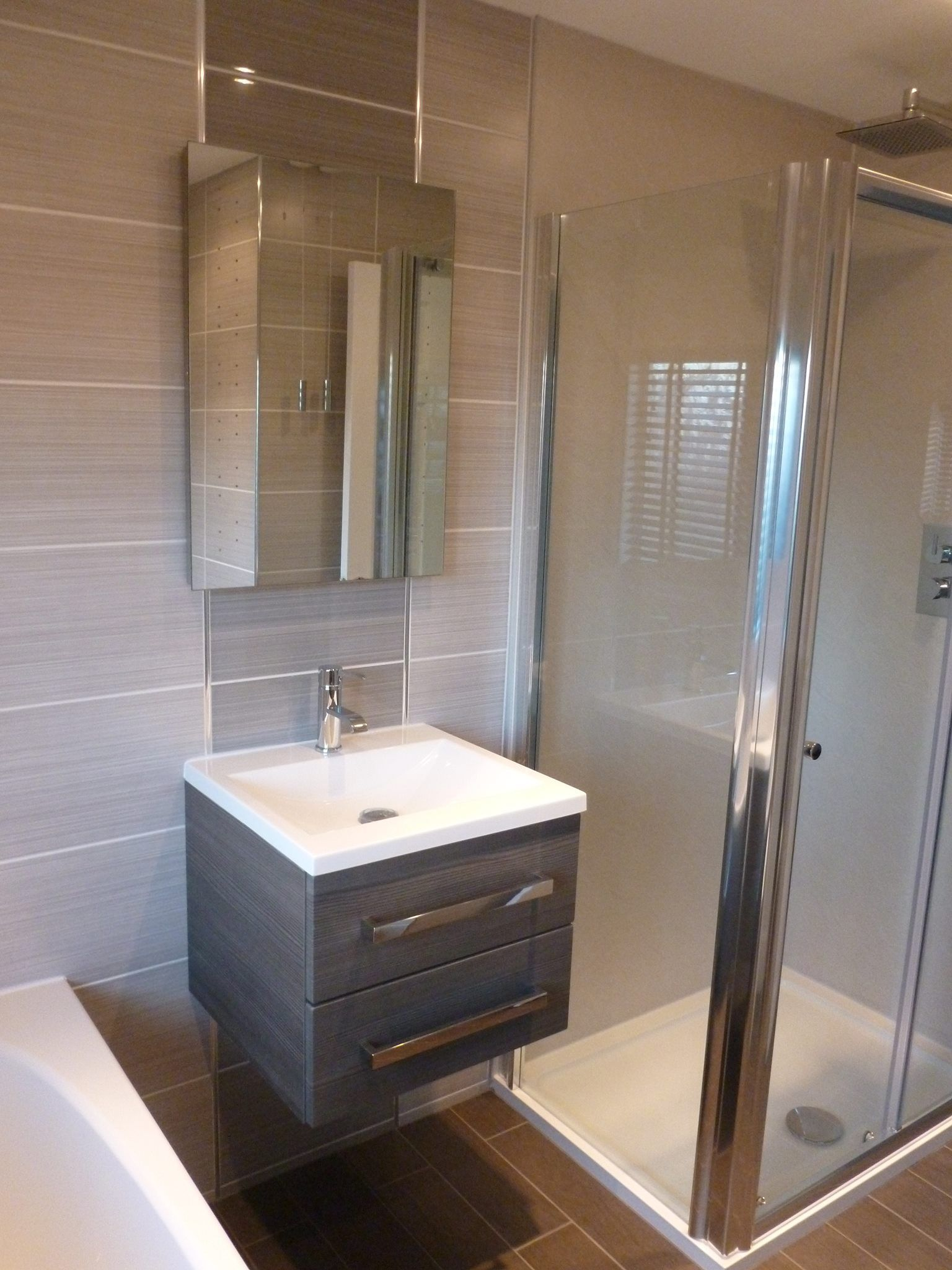 Home willow dark grey floor tile - A Very Modern Bathroom Using Willow Light Grey And Willow Dark Grey As A Feature