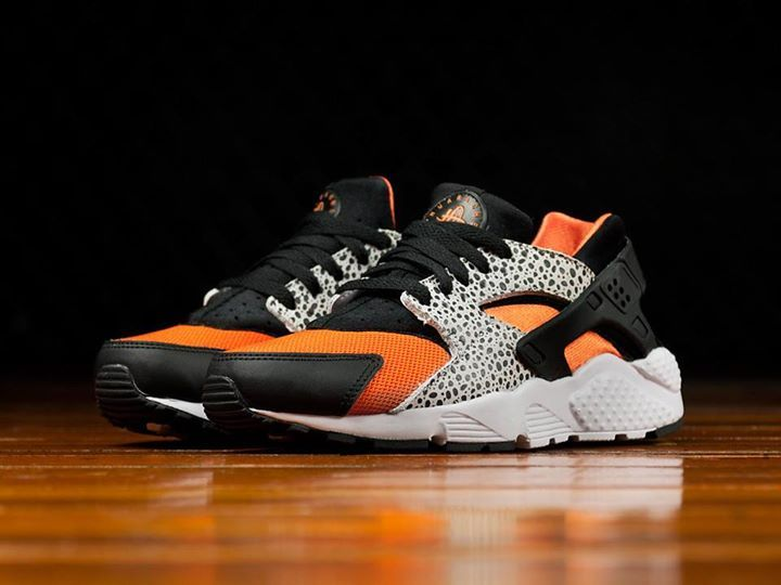 d6d40fbc5af9 The Nike Huarache Run Safari GS Black Orange is releasing in 10 minutes.