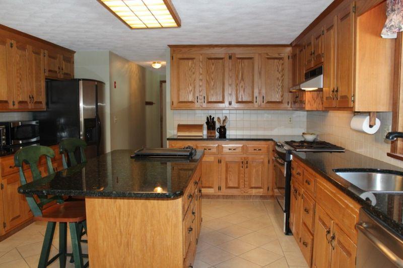7 Joseph Road Hopkinton Ma 01748 Dark Counters Dark Granite And Real Estate News