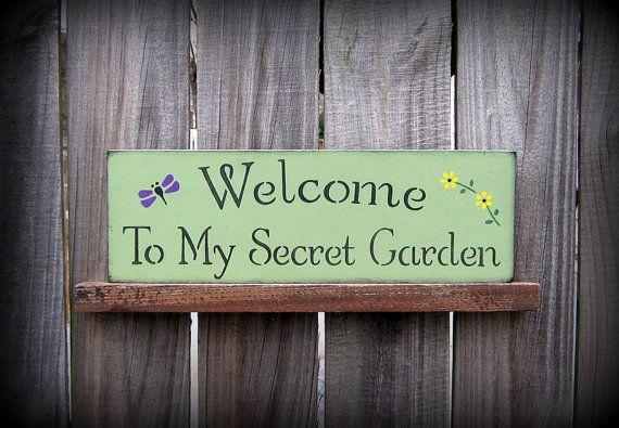 secret garden signs, welcome to my secret garden sign, wedgewood green with black, Design ideen
