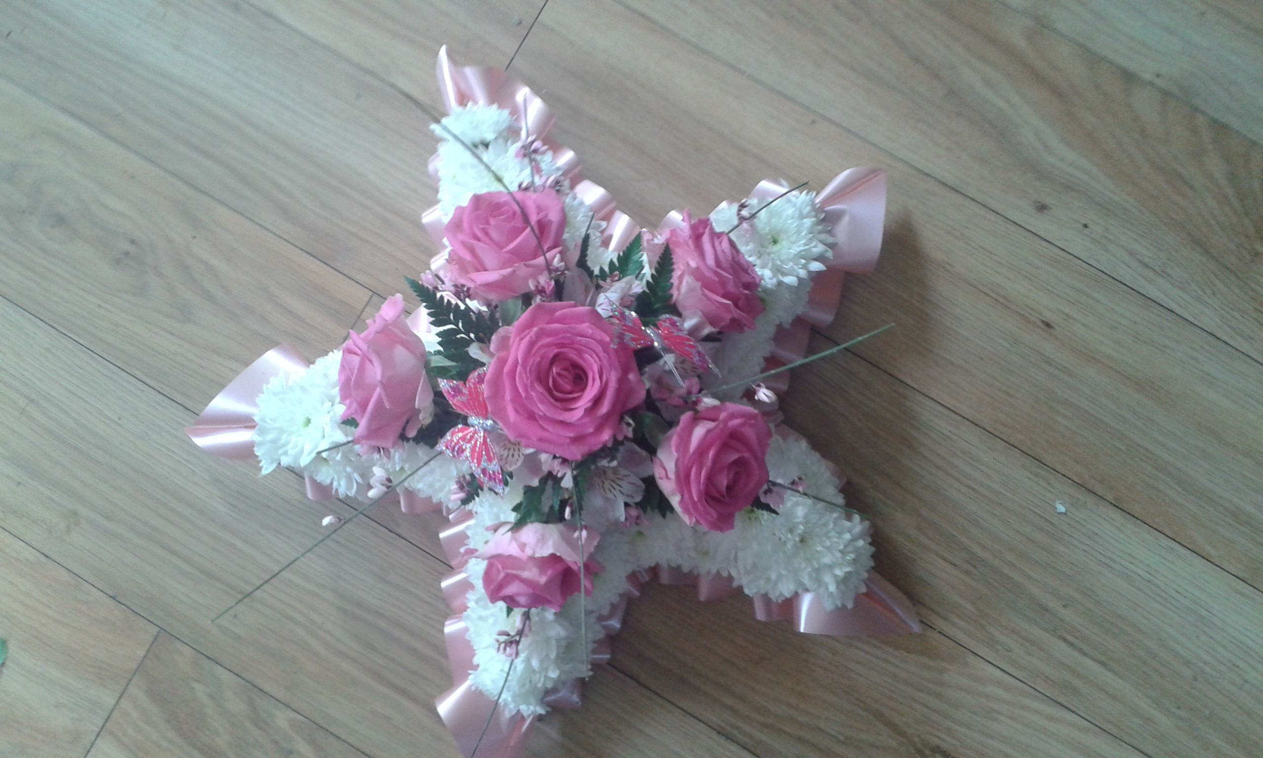 Childs Funeral Tribute Star In Pink Funeral Flowers Funeral