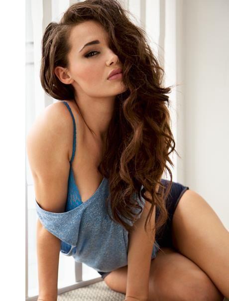 woman-undressing-young-girls-xxx-amisha