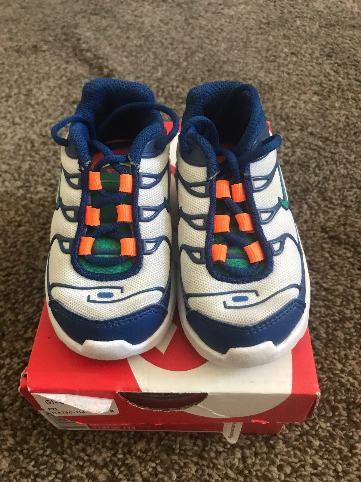 Excellent condition baby shoes size 5c