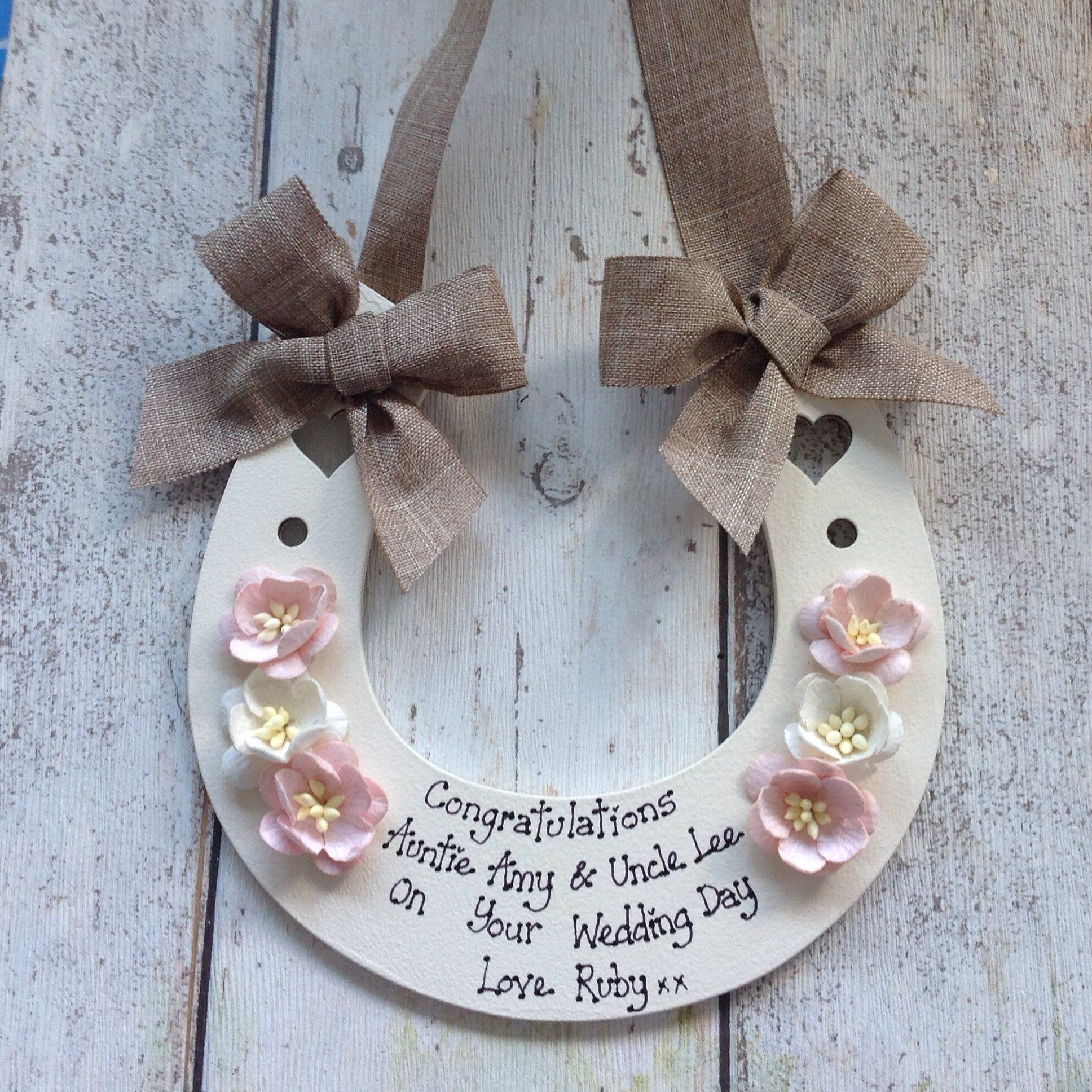 Keepsake Wedding Gifts: Personalised Wedding Horseshoe Lucky Keepsake Gift To