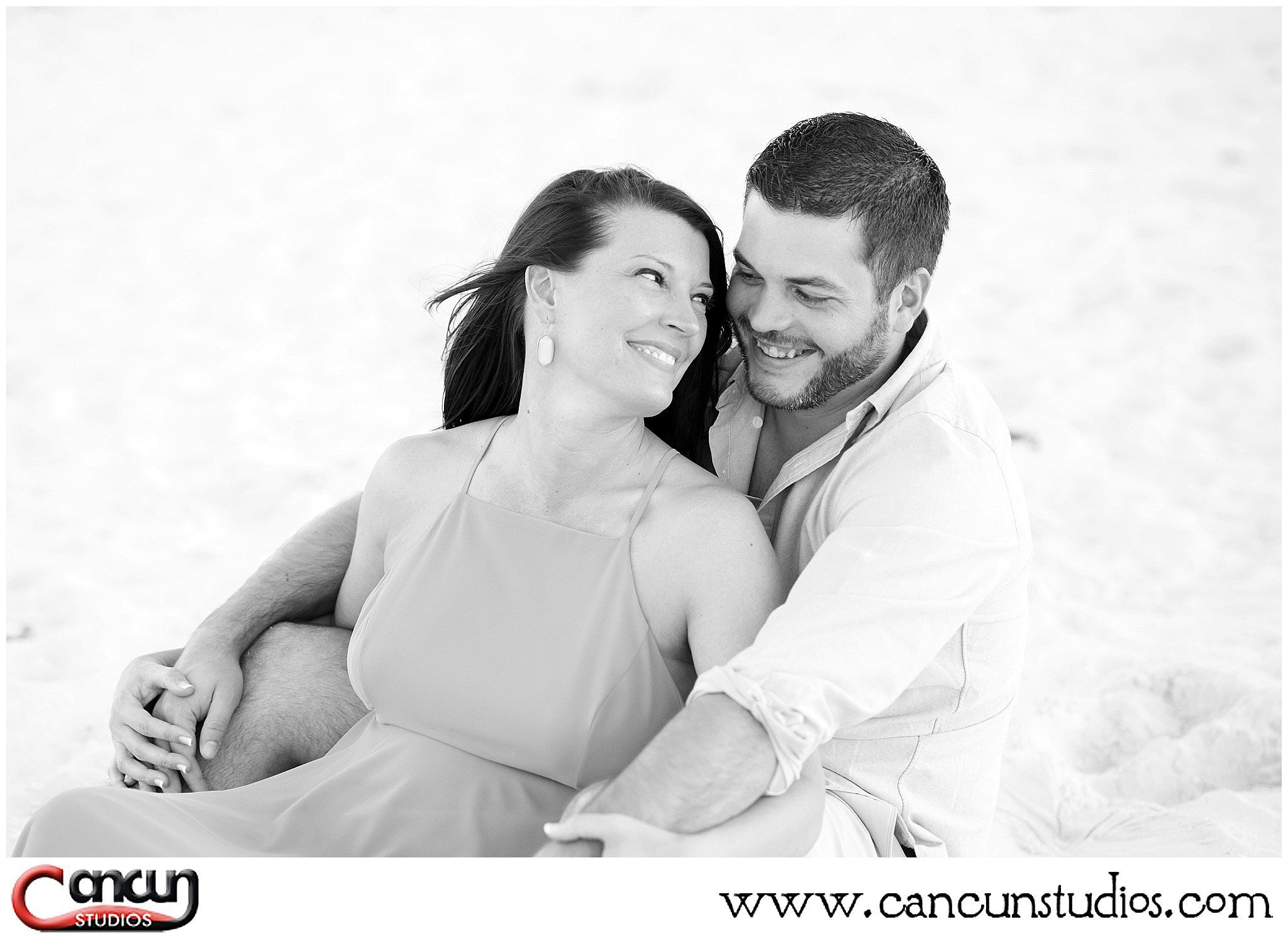 Show off your #engagementring with a #photosession during your #CancunVacation #Cancunphotographer #Esession #EngagementPhotos #BeachPhotos
