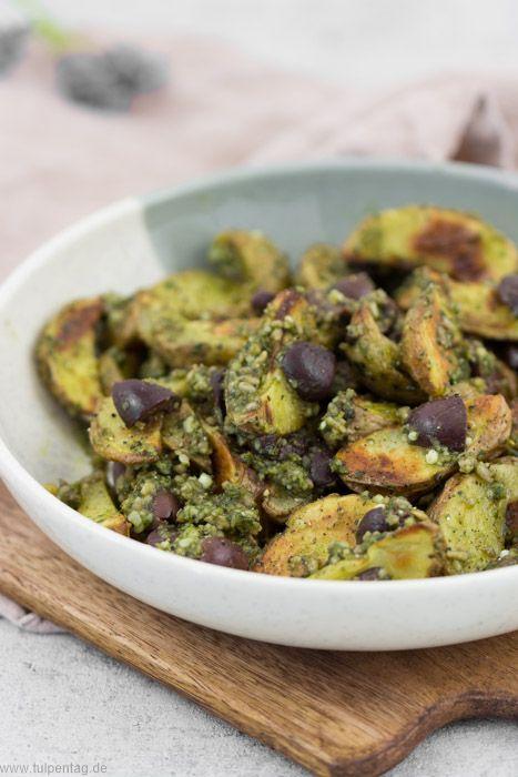 Kartoffeln aus dem Ofen mit Pesto und Oliven - Tulpentag. Foodblog.