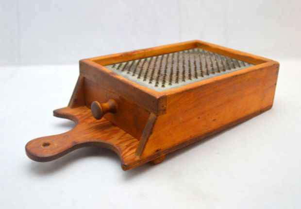 Antique Box Grater With Drawer Wood And Punched Tin Cheese Grater Handmade Farmhouse Or Primitive Primitive Kitchen Decor Kitchen Decor Kitchen Decor Items