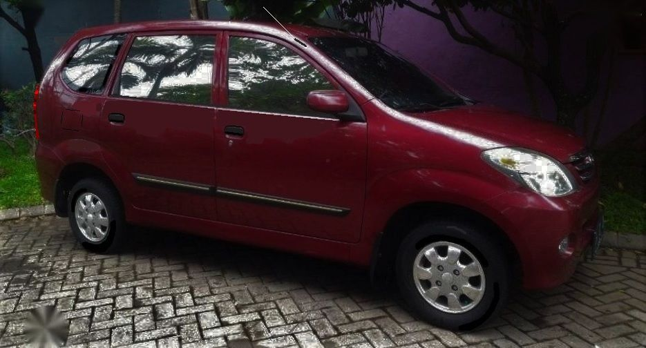 Astra Daihatsu Xenia Li Plus Versi Awal Dengan Velg Racing R13