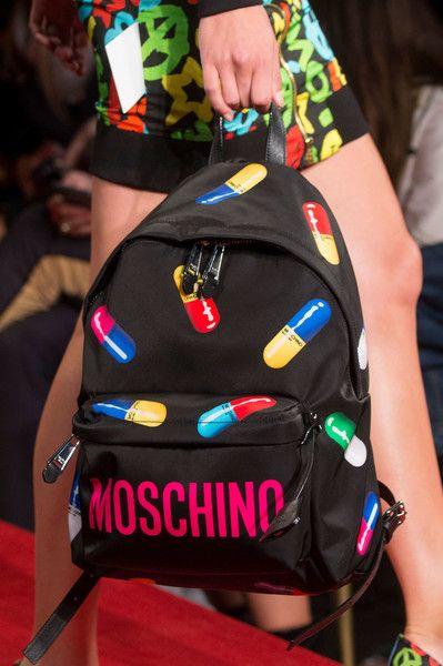 Moschino at Milan Fashion Week Spring 2017 - Details Runway Photos