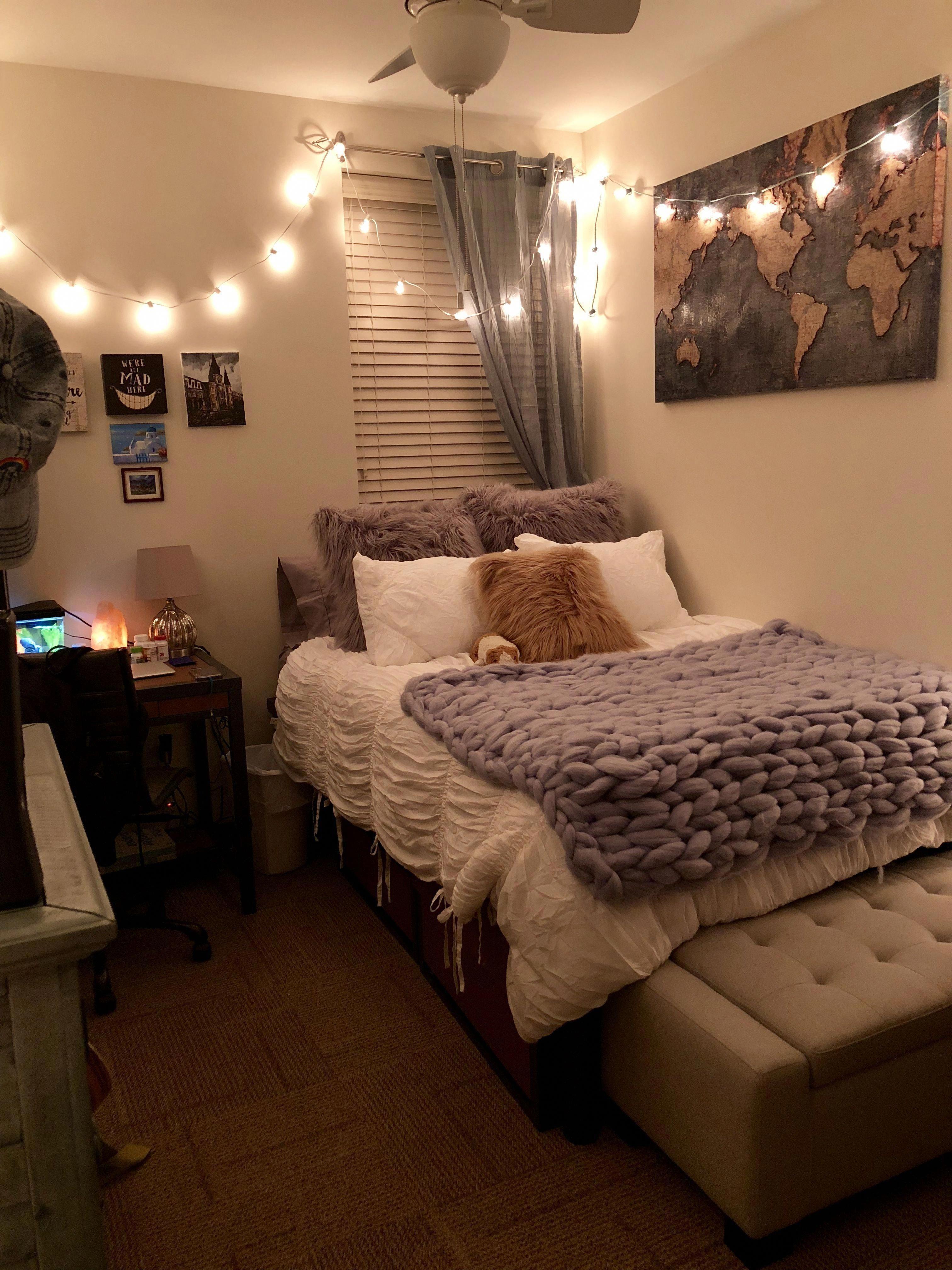 Home Decor Essentials #Homedecors - Store   Cozy dorm room