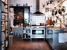 Cappa in acciaio. Acciaio e legno. Cucina senza pensili | Cucina ...