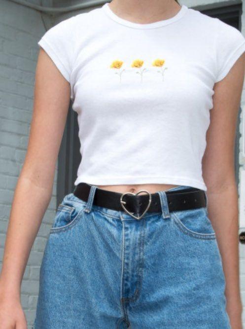 Photo of Brandy Melville hvid Serena valmue afgrøde tee nyt uden tags
