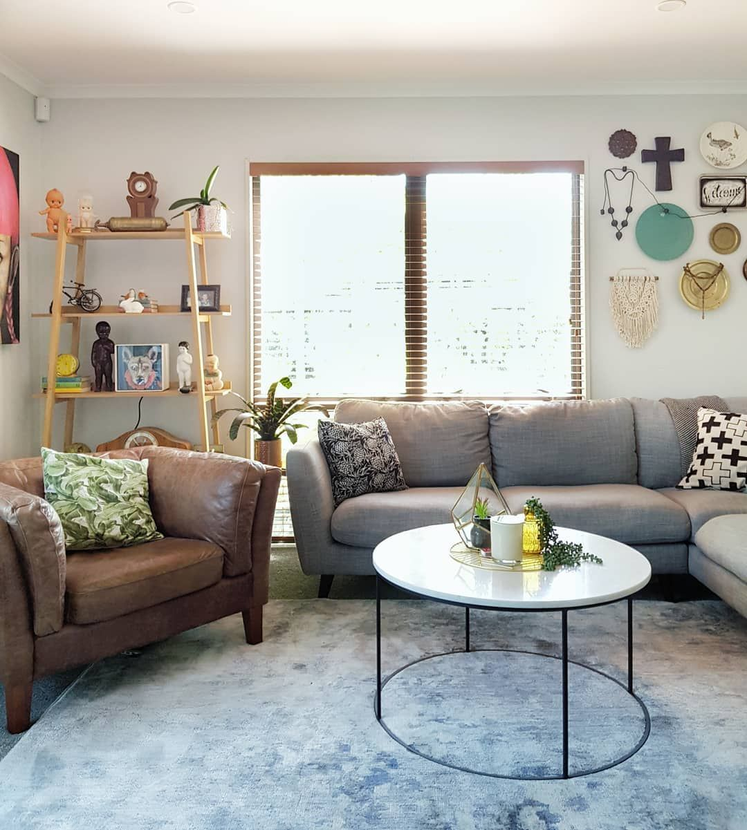 Small Townhouse Living Room Ideas: Eclectic Decor, Home Styling, Living Room Rug #homestyling