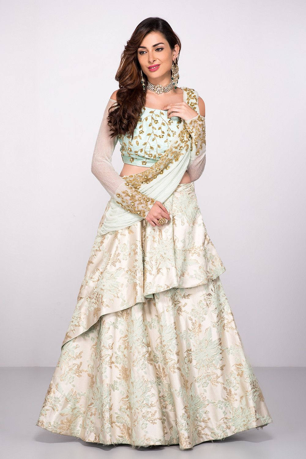 India's largest fashion rental service Sangeet outfit