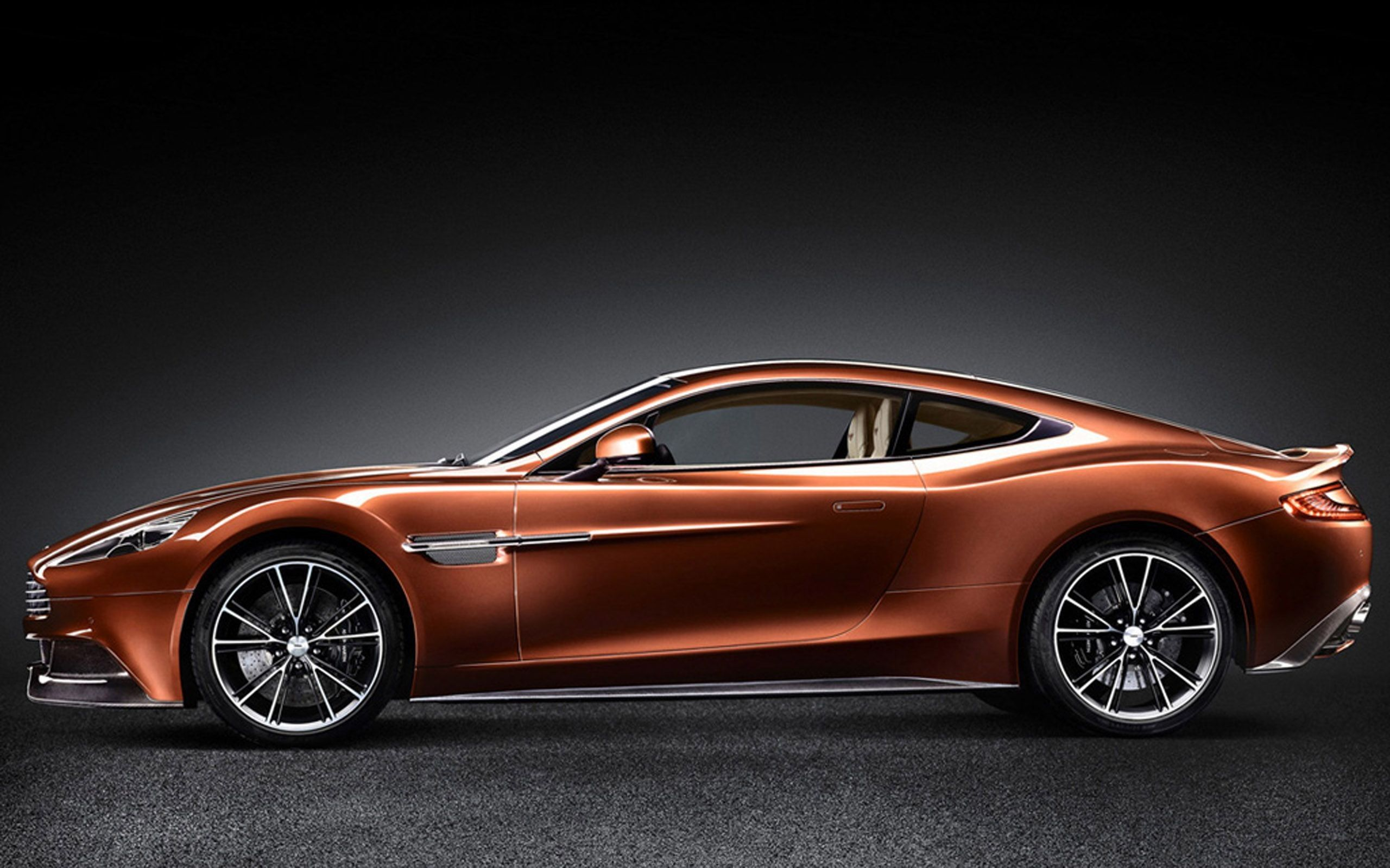 Aston Martin V12 Vanquish British Luxury Elegant Sports Cars Side Wheels Wallpapers