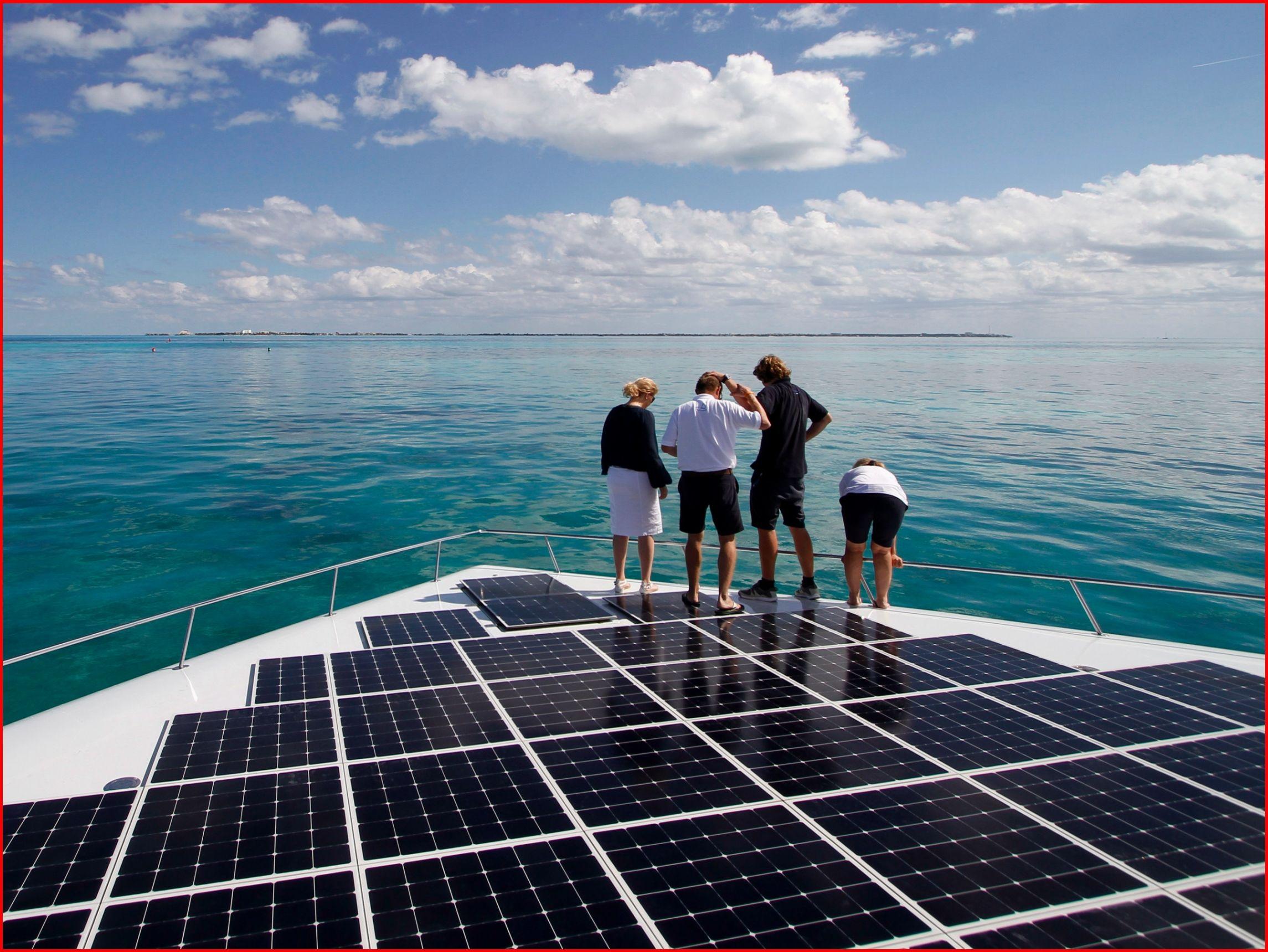 Diy Solar Systems Your Home Renewableenergyisthefuture Solar Panels Solar Solar Roof