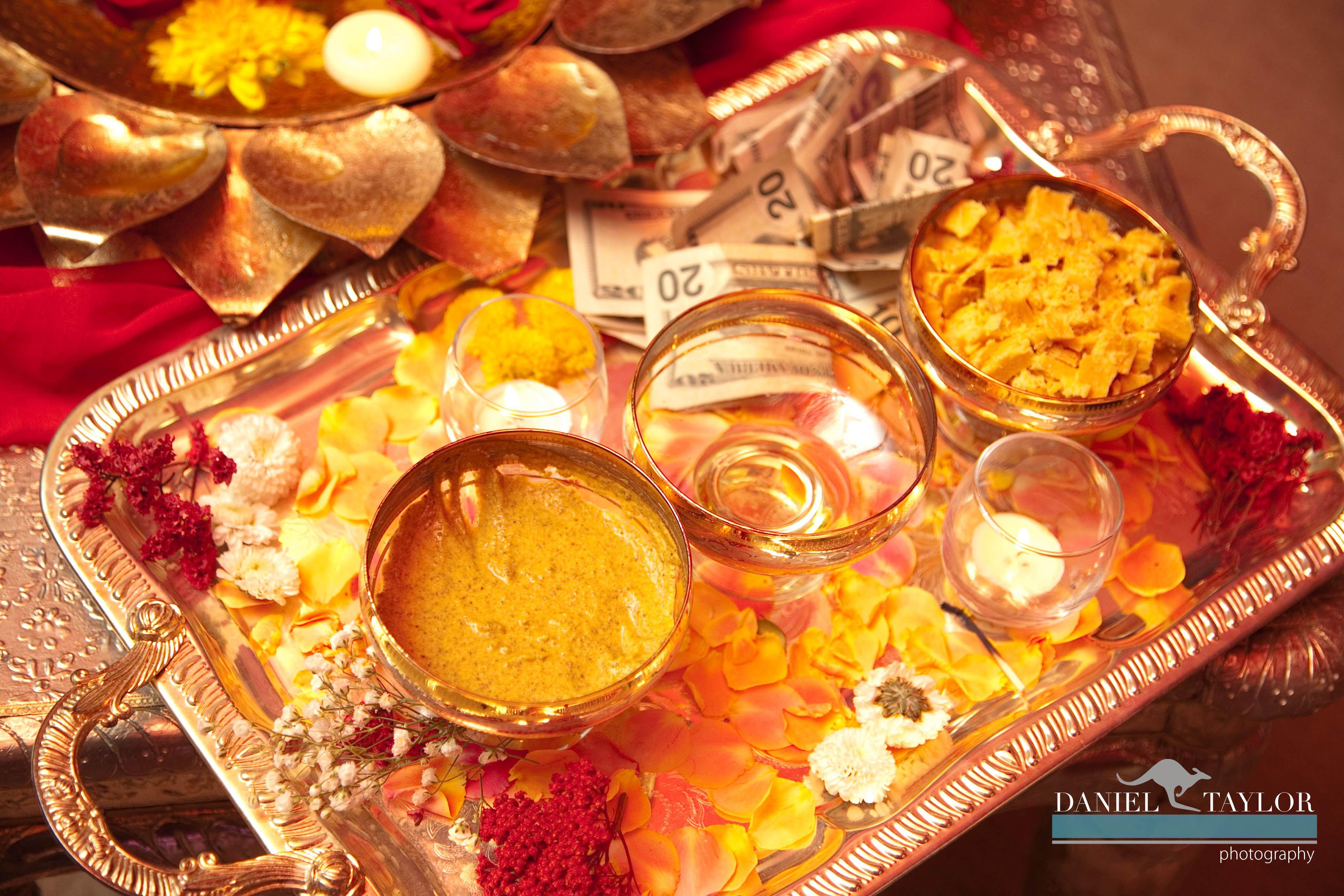 Mehndi Party Trays : Mehndi thaal designs laal pk