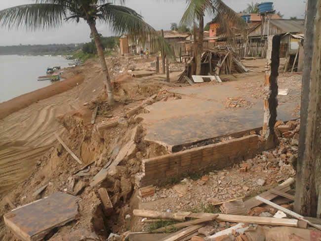 Muitas pessoas perderam suas casas por conta de problemas durante a construção da orla