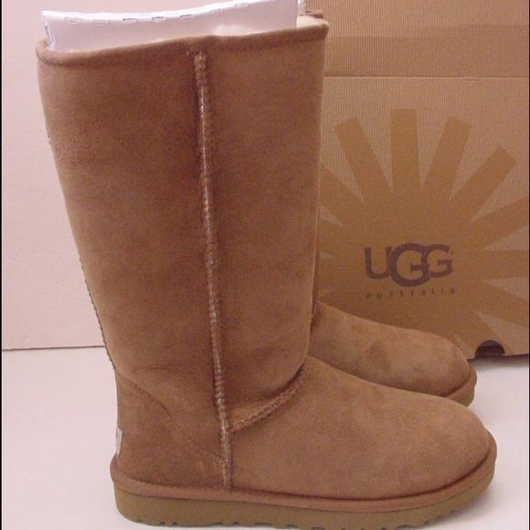 605f179038 Authentic Womens UGG Australia Winter Boots 7US Up for grabs are these  beautiful and authentic UGG Australia boots in Chestnut. For year