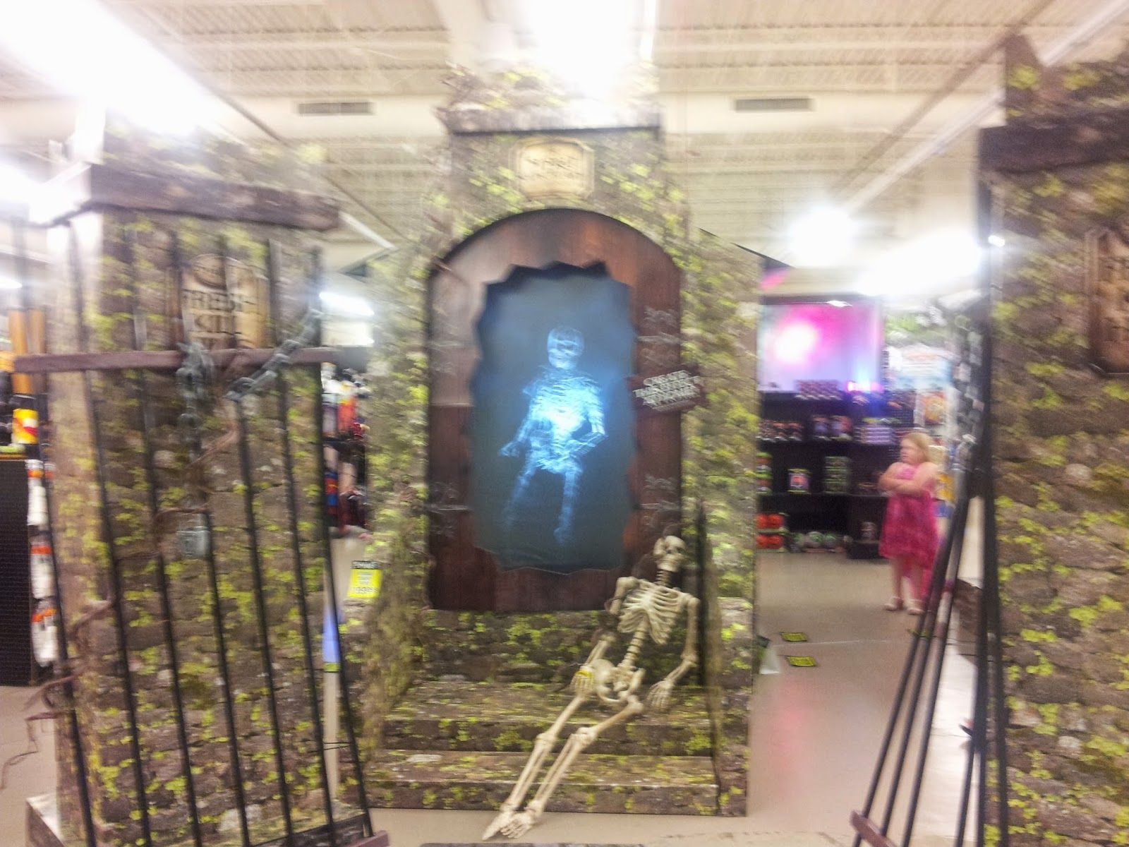 spirit halloween store ruins - Google Search | HM Graveyard ...