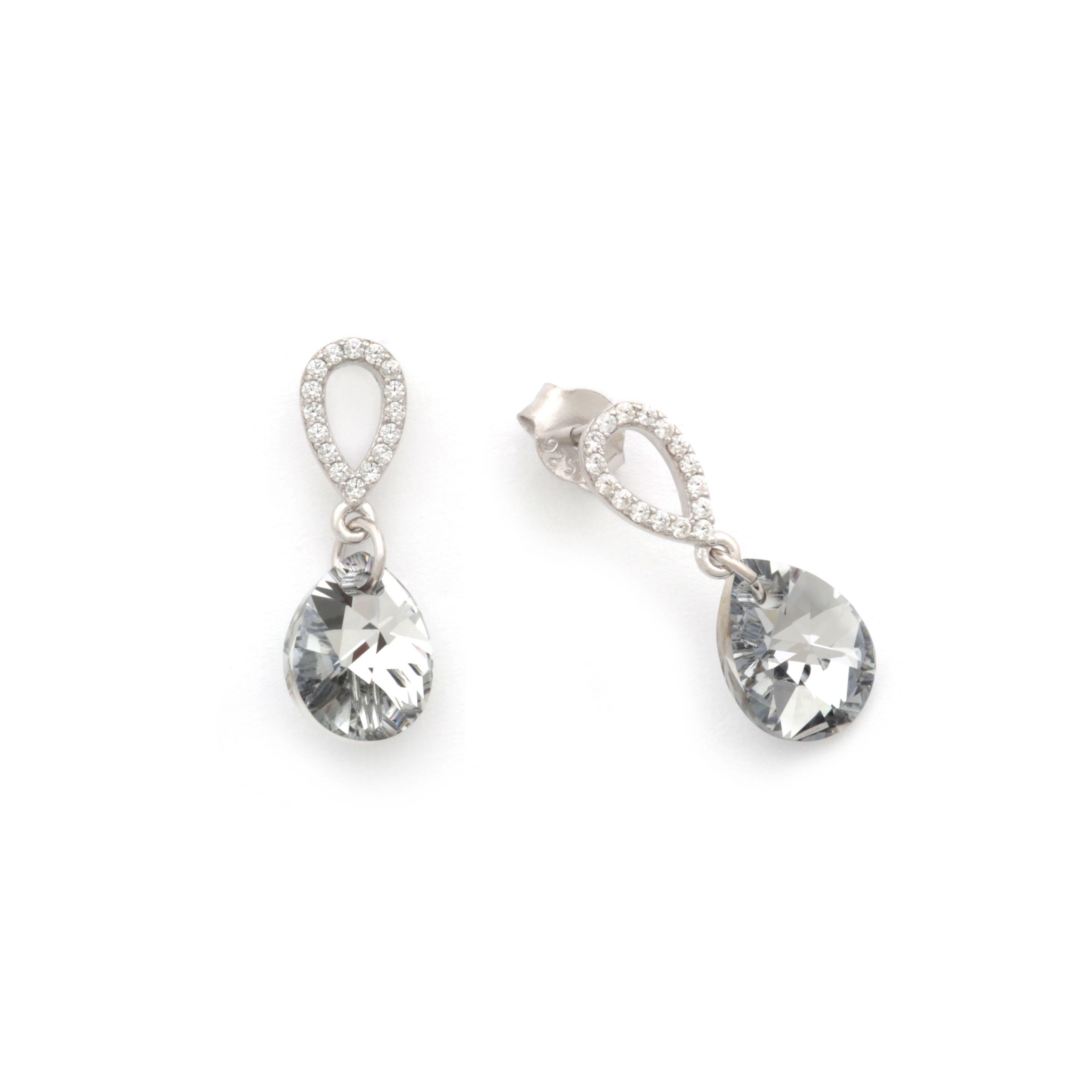 cec09496fe3a Pendientes a forma de Gota hechos con cristales Swarovski Blancos y  circonitas en Plata de Ley