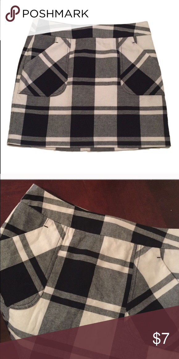 Tommy Hilfiger Plaid skirt Resale because it's too big on me Tommy Hilfiger Skirts Mini