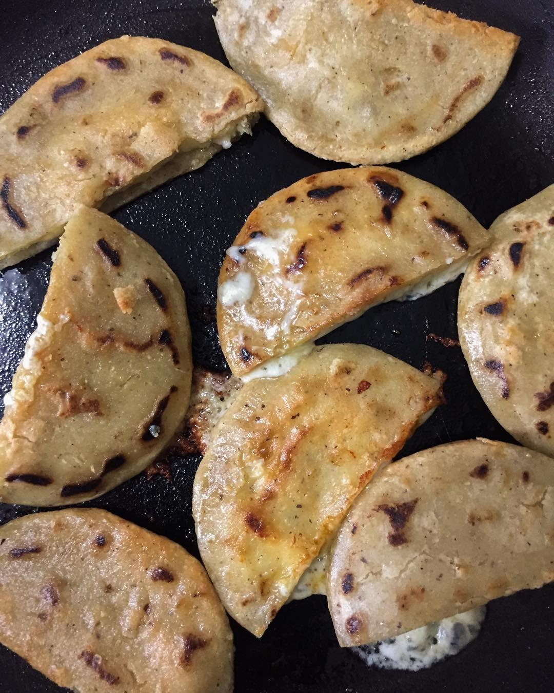 Tortillas Fritas Con Quesillo Elsalvadorfood Tortillas Fritas Con Quesillo Salvadorian Food Salvadoran Food Mexican Food Recipes