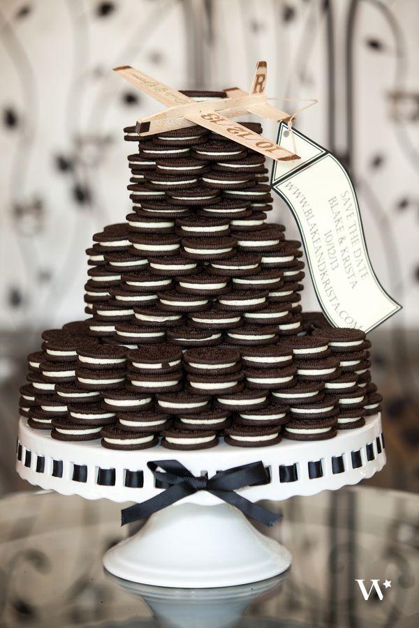 7 Ways To Make The Perfect Wedding Cake Display