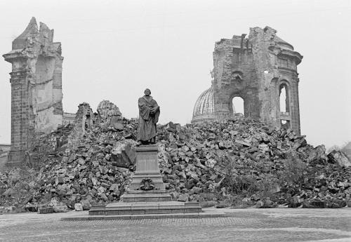 Die Frauenkirche In Dresden Nach Dem 2 Weltkrieg Geschichte Erster Weltkrieg Dresden