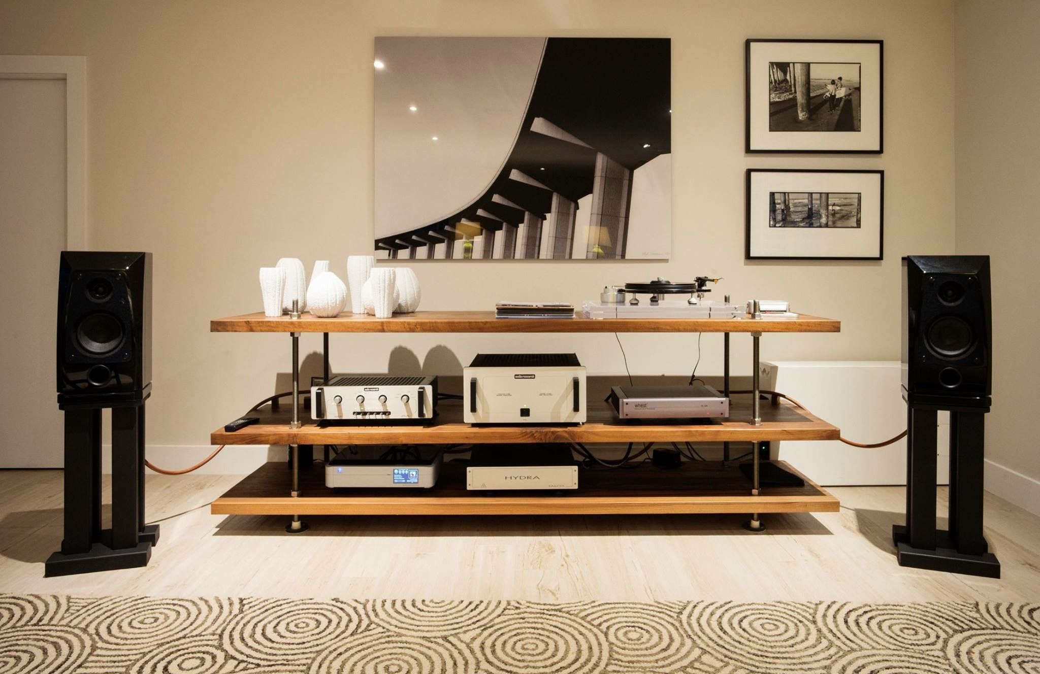 Pin By Jones Lekhu On Listening Room Pinterest Audio  # Meuble Tv Amplifier