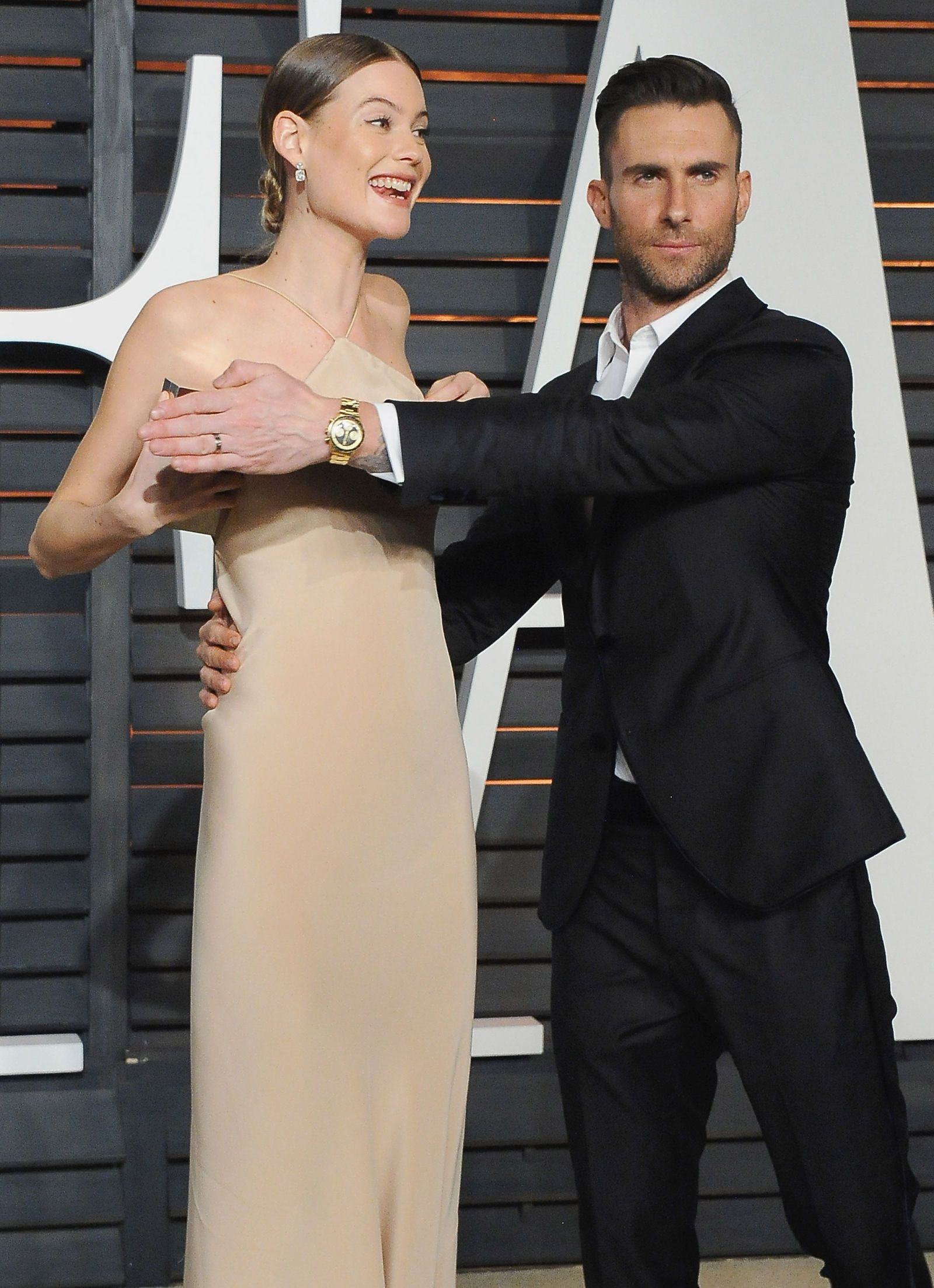 PDA Alert! Celebrity Couples Who Can't Keep Their Hands ...