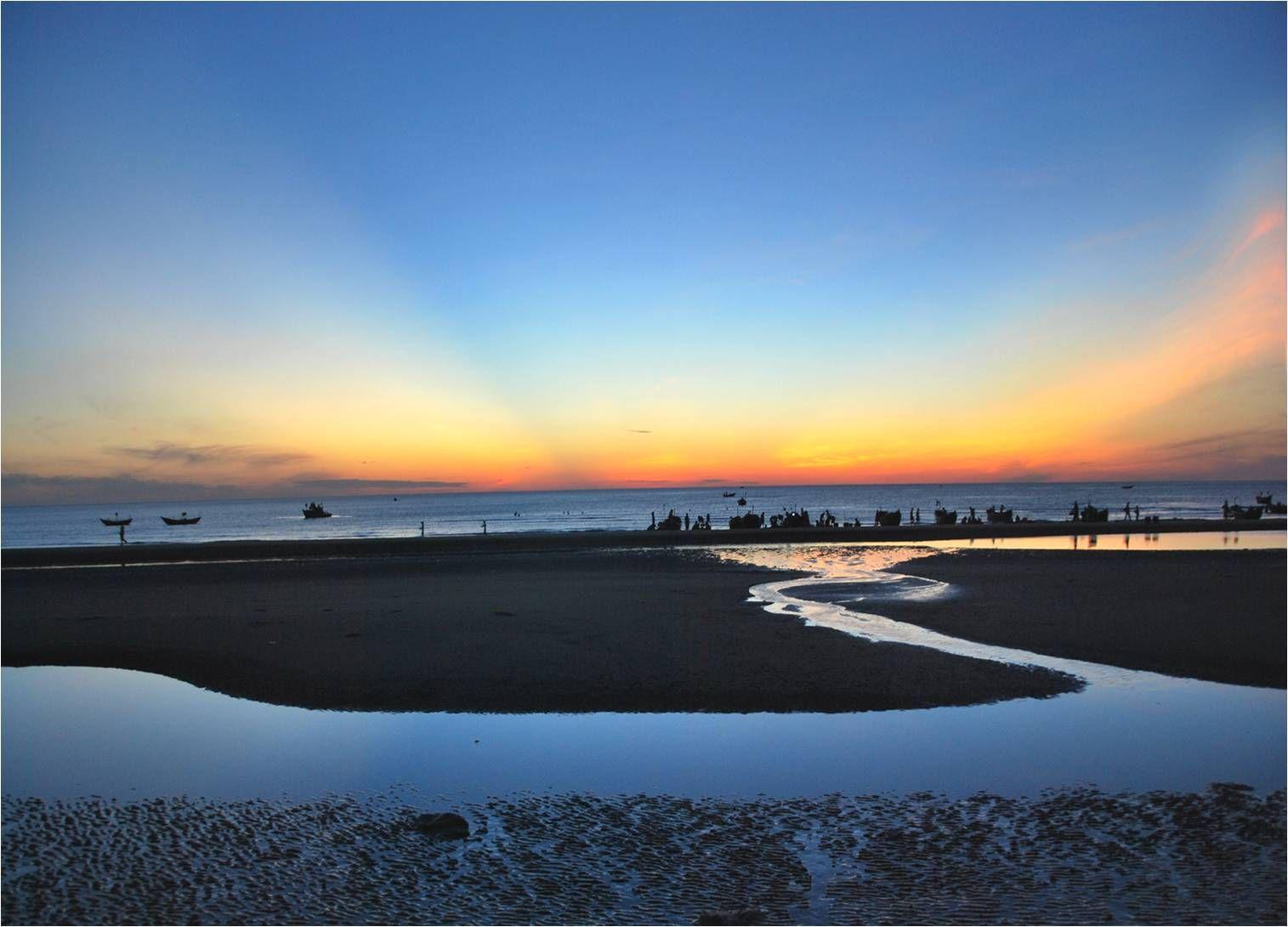 L'aube à la plage de Cua Dai.