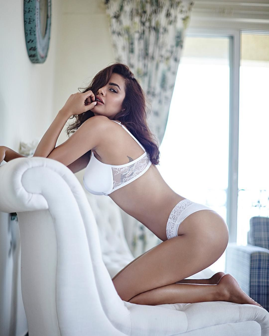 Image result for Esha Gupta looks exquisite in her latest Instagram picture