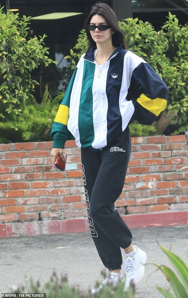 Kendall Jenner steps out for brunch with her friends
