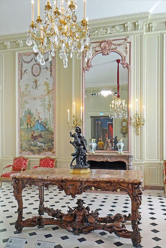 Nouvelle Salle Du Departement Des Objets D Art Musee Du Louvre French Architecture Home On The Range Home Decor