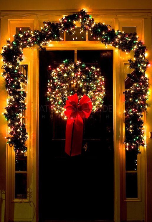 run white lights onto the door wreaths from the left side of the foyer christmas front door decor but i refer it with white lights - Red White And Green Christmas Lights