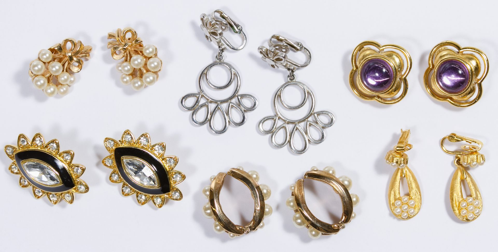 Lot 535 Costume Jewelry Earrings Assortment; Twenty-one pairs with ex&les from Giovanni  sc 1 st  Pinterest & Lot 535: Costume Jewelry Earrings Assortment; Twenty-one pairs with ...