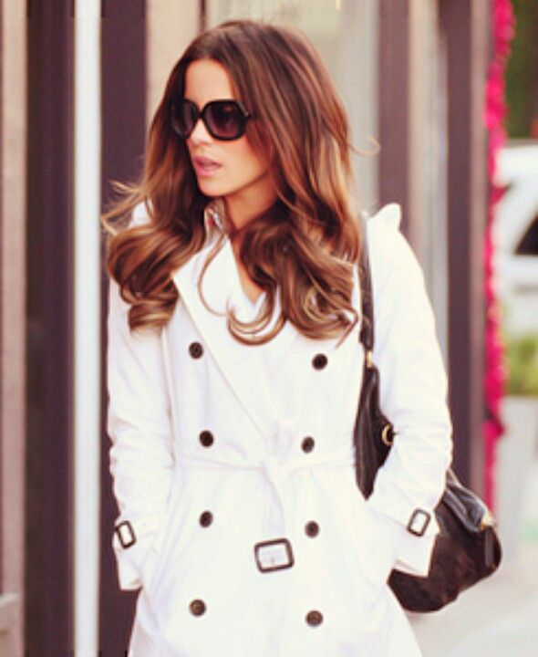 Kate Beckinsale in Burberry White Trench | Burberry coat