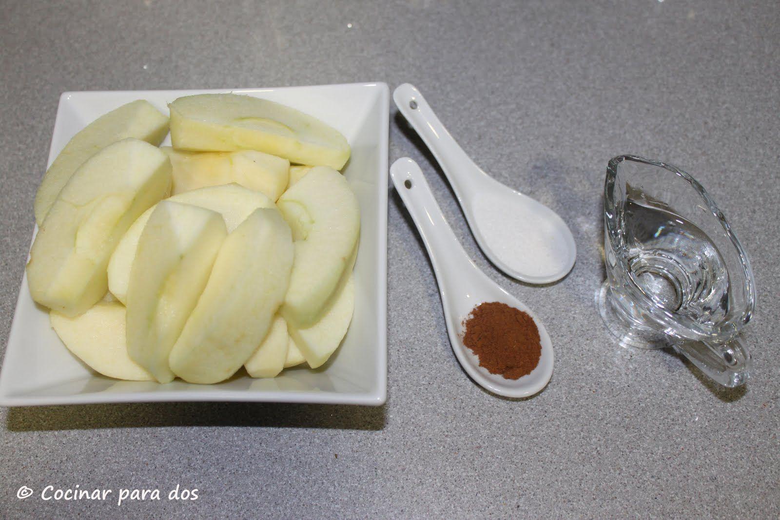 Manzana asada en estuche de vapor Lékué | Cocinar Para 2