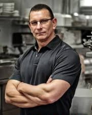 Celibrtiy Chef Robert Irvine will be in Virginia Beach! Working on De Rican Chef for Resruarant Impossible. Would be pretty awesome to meet him or even just a walk-by high five #757 #vabeach #hrva #foodnetwork #chesapeake #cova #puertorican #virginiabeach