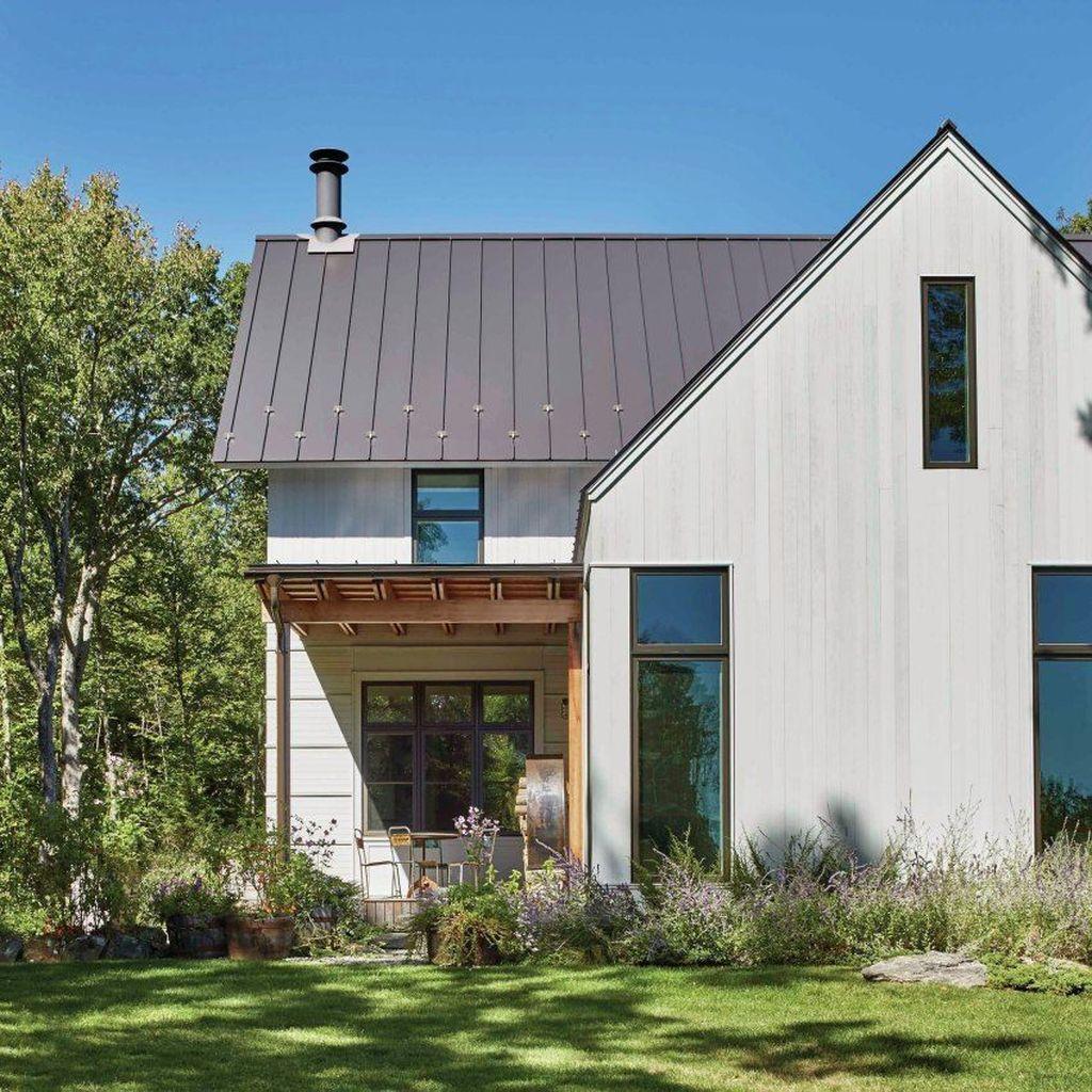 40 Scandinavian Farmhouse Design Ideas The Idea Was Supposed To Make It Resemble A European Modern Farmhouse Exterior Contemporary Farmhouse House Exterior