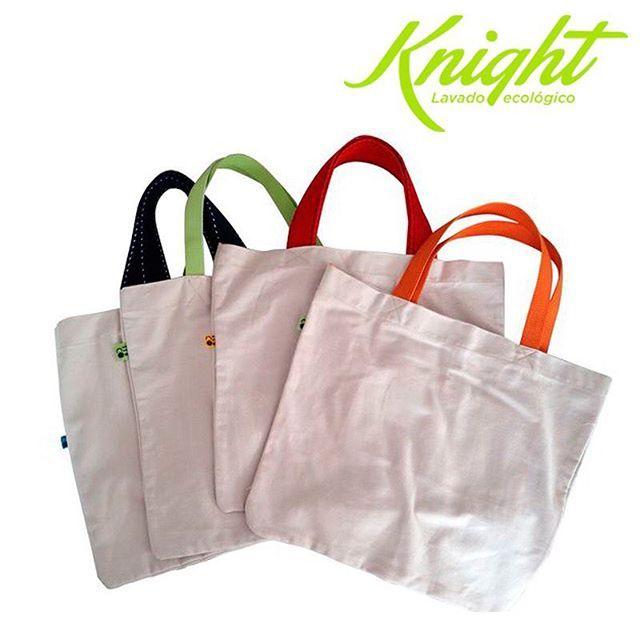 Utiliza bolsas ecológicas en tus compras. No te cuesta nada, sirven igual que las comunes pero tienes la seguridad que no demandaron muchos recursos en su fabricación. Haz parte del cambio y pon un granito de arena para adoptar conductas más ecológicas. #TipsKnight #LavadoEcológico #Knight