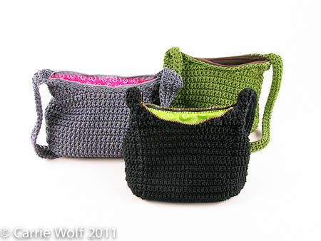 How to insert a zipper and lining into a crochet purse